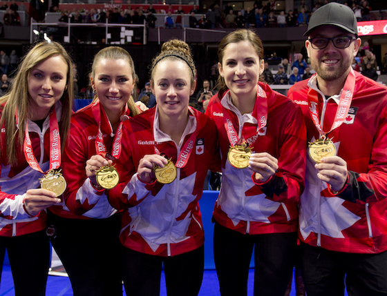 캐나다 여자컬링대표팀 팀 호먼. 맨 왼쪽이 스킵 레이첼 호먼.
