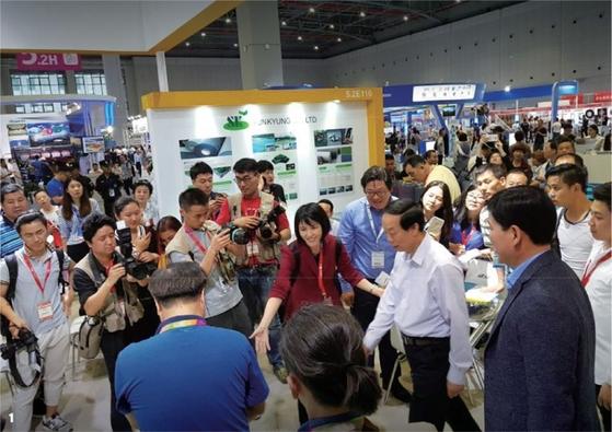 2017 차이나 스포츠 쇼에 참석한 김유림 대표. 중국 최대 스포츠 용품 박람회로 1500여 개사가 참가했다.