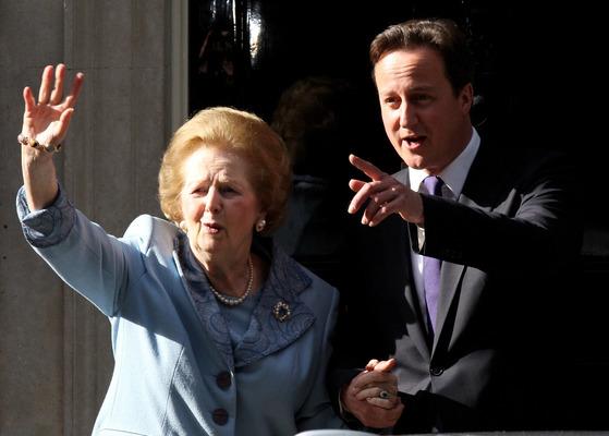 고 마거릿 대처 영국 총리(왼쪽)은 자신의 가늘고 높은 목소리가 콤플렉스였다고 한다.