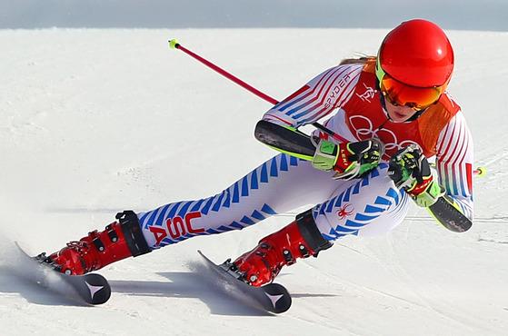 15일 오후 강원도 평창군 용평 알파인스키장에서 열린 2018 평창동계올림픽 알파인 스키 여자 대회전 2차전 경기에서 미국의 미카엘라 시프린이 피니시라인을 통과하고 있다. [평창=연합뉴스]
