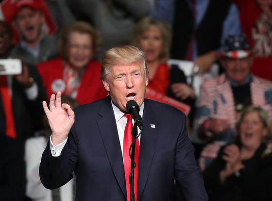 도널드 트럼프 미국 대통령. 그의 부모는 어린 시절 거칠고 반항적인 아들의 성격을 바로잡기 위해 아들을 뉴욕군사학교로 보냈다.