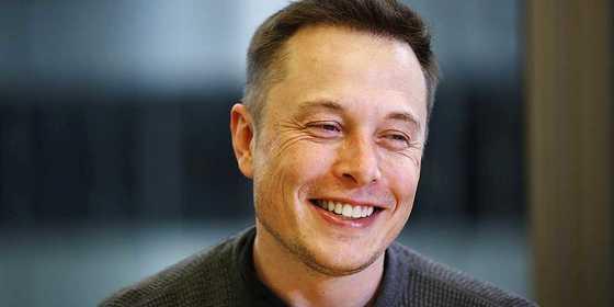 테슬라의 CEO인 일런 마스크는 비즈니스 인사이더가 선발한 '섹시한 CEO' 2위에 올랐다.