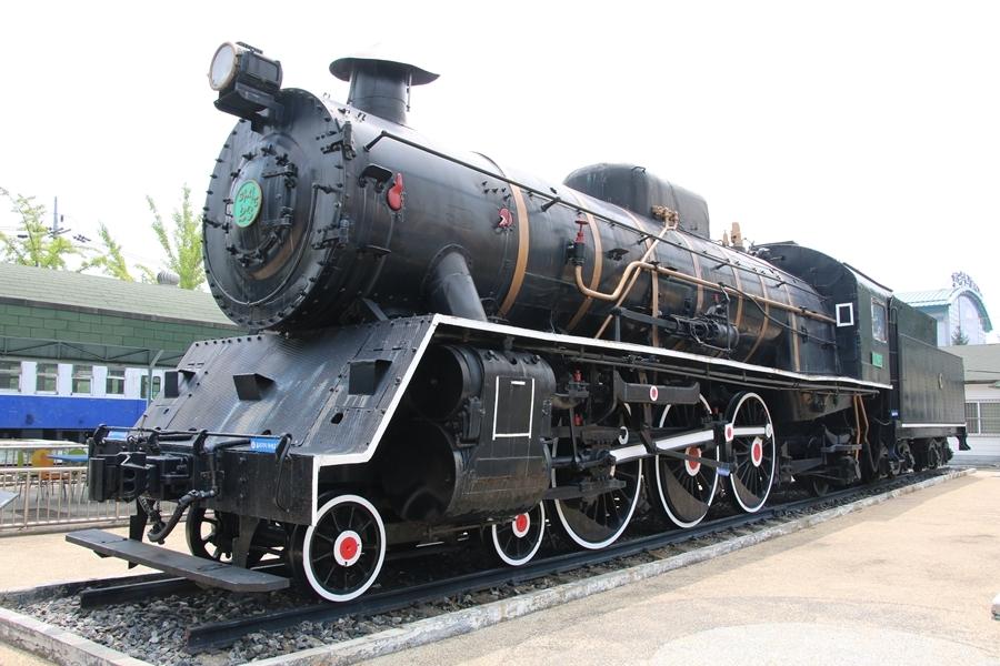 국내에 도입된 초기 증기기관차. 이후 국내 철도도 많은 변화를 겪었다. [사진 코레일]