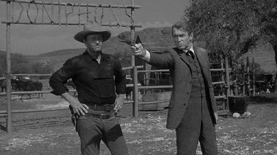서부극 '리버티 벨런스를 쏜 사나이'의 한 장면.