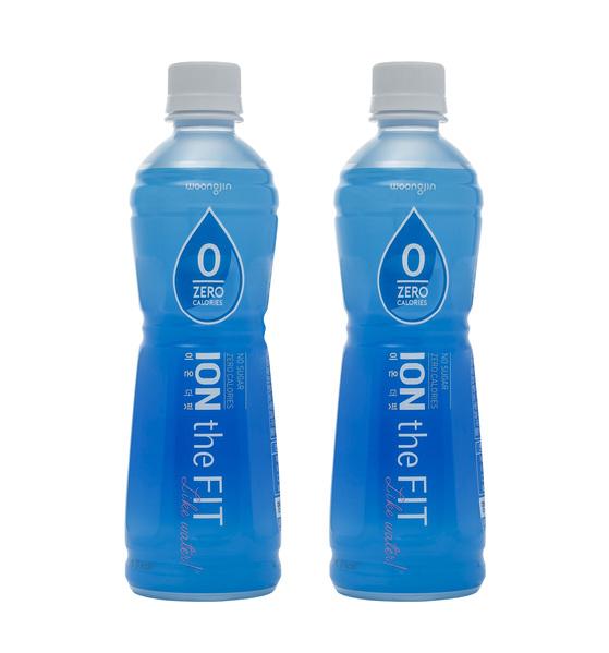 웅진식품이 내놓은 이온음료 '이온더핏'. 온라인에서만 판매한다. [사진 웅진식품]