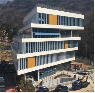 해운대구 반여동 해운대 인문학도서관. [사진 부사신]