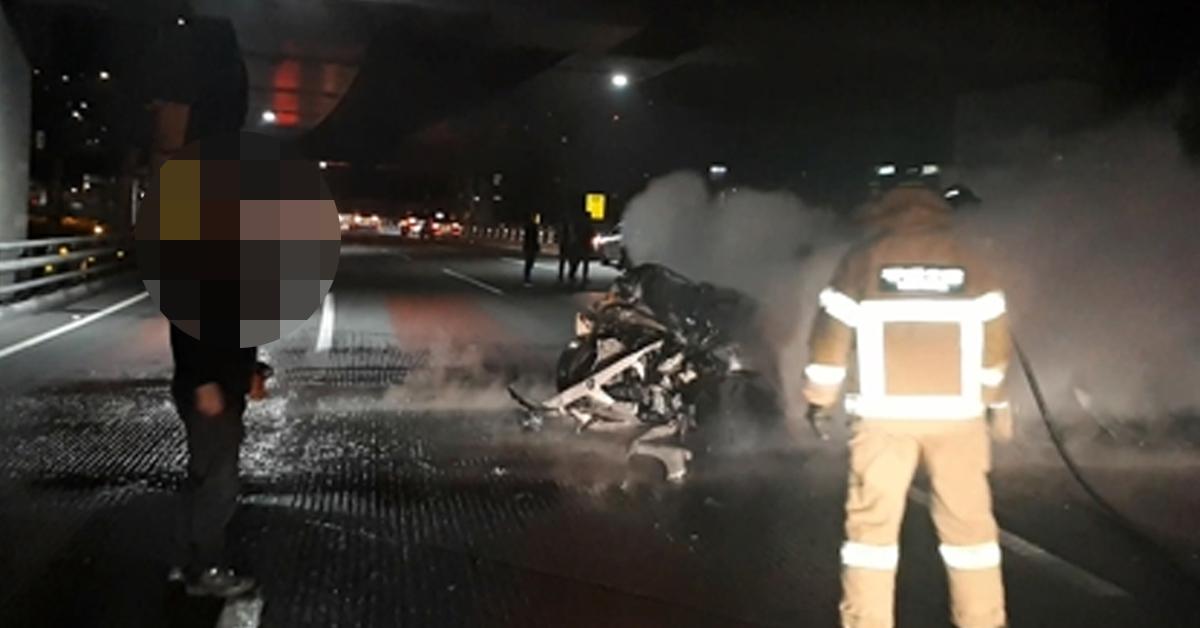 부산 광안대교서 BMW 차량이 앞서 달리던 제네시스 차량과 추돌했다. [사진 부산경찰청]