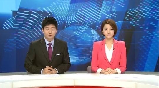 2012년 노조 탈퇴 후 MBC 뉴스데스크 진행을 맡은 양승은 앵커. [사진 MBC]