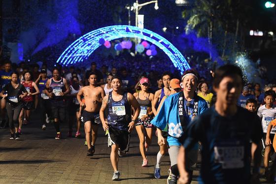 국제육상경기연맹이 인증한 괌 마라톤 대회는 매해 한국인 참가자가 늘고 있다. [사진 유나이티드 괌 마라톤 대회]