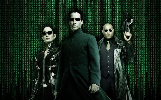미래적인 스타일의 선글라스를 선보인 영화 '매트릭스'의 주인공들. [사진 중앙포토]