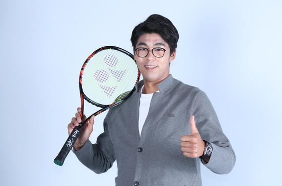 정현이 JTBC3FOX스포츠 사진에 담긴 숨은 이야기(사담기) 출연을 마치고 포즈를 취하고 있다. 양광삼 기자