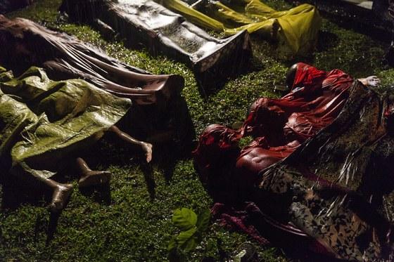 제너럴 뉴스 부문 1위 수상작인 '로힝야의 비극'. 작년 9월 방글라데시로 탈출하던 로힝야 난민들이 탄 보트가 전복되면서 배에 탔던 80여명의 난민들이 사망했다. 갈곳을 잃은 미얀마 로힝야족의 비극은 지금도 현재형이다.로힝야 부족은 불교를 주로 믿는 미얀마 국민들과 달리 이슬람 교도다.[EPA=연합뉴스]