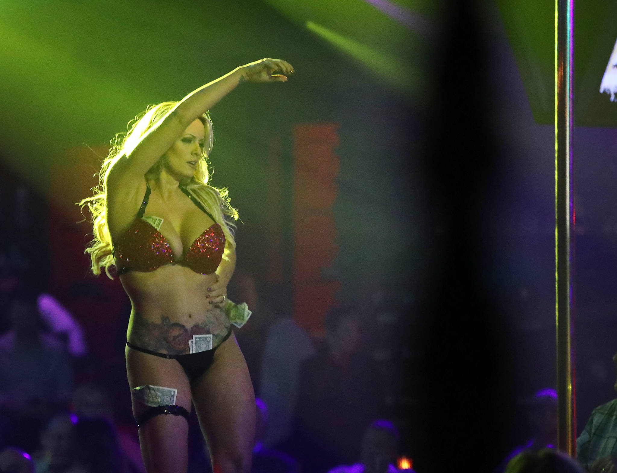 스토미 대니얼스가 지난 3월 9일 플로리다 주 품파노 비치의 스트립 클럽에서 공연을 하고 있다. [AFP=연합뉴스]