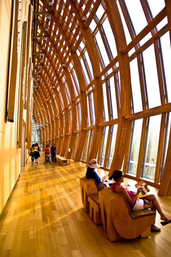세계적인 건축가 프랭크 게리가 설계한 온타리오 아트 갤러리. [사진 캐나다관광청]