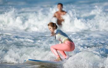 [돈 아끼는 여행꿀팁] 리조트에서 배우는 서핑…쏠비치의 '신상' 패키지