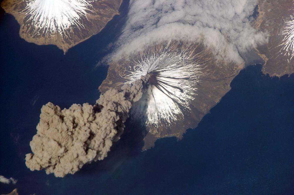 알류산 열도의 화산 분출 [중앙포토]