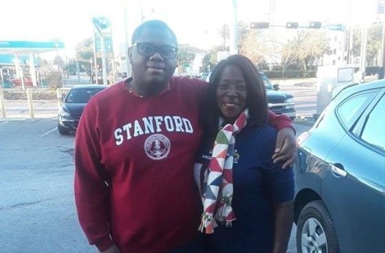 마이클 브라운과 그의 어머니.
