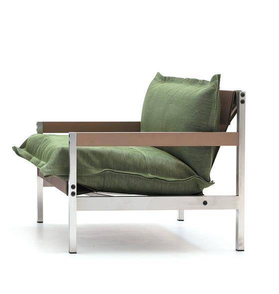2008년부터 협업해온 디젤과 이탈리아 가구 브랜드 모로소가 올해 새로 선보인 의자.