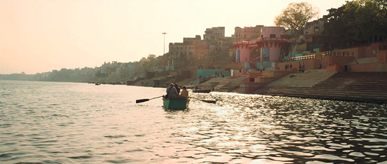 영화 '바라나시'에서 갠지스 강의 아름다움을 보여주는 한 장면. [사진 마노엔터테인먼트 제공]