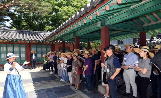 청와대 관람객들에게만 한시적으로 개방한던 칠궁이 1일 일반에 공개됐다. 김상선 기자