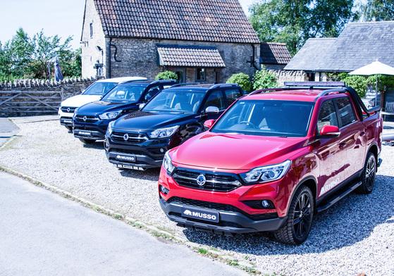 쌍용차 중형 SUV 렉스턴 스포츠 유럽 판매 돌입