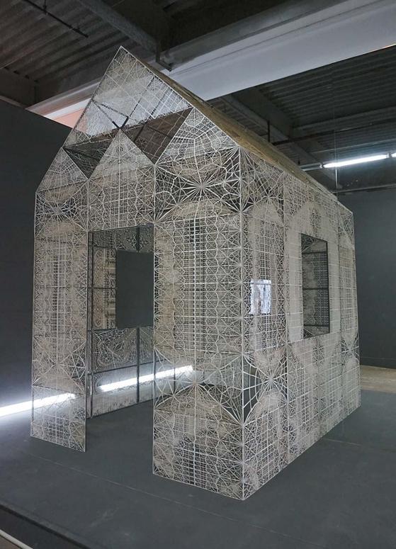 3D 프린터 등을 이용해 건축물을 설계하는 독일 건축가 마이클 한스마이어의 '광주 가제보'