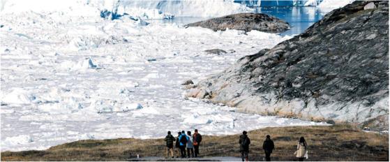 450년 가까이 그린란드에 살았던 바이킹은 소빙하기를 못 견뎌 15세기 초 소멸됐다. 그린란드 일루리삿 빙하,