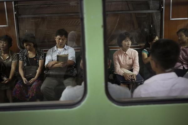 ▽電車での対面パンチラ▼20両目 [無断転載禁止]©bbspink.comxvideo>1本 YouTube動画>3本 ->画像>404枚