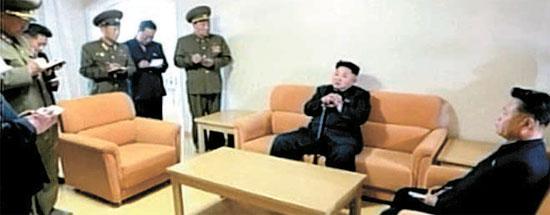 김정은 순시 중 앰뷸런스 대기 … 최용해, 함께 소파 앉아 담소