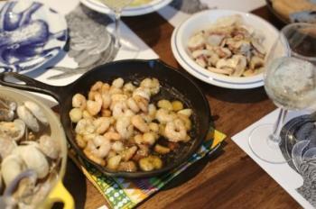 [이영지 기자의 '한끼라도'] 라면보다 쉬운 스페인 새우 요리