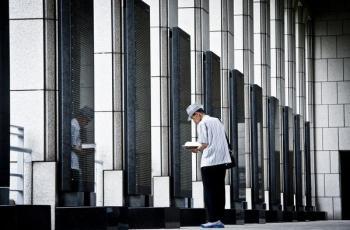 [김경록 기자의 작은 사진전] 전쟁기념관에서… 미처 전하지 못한 말