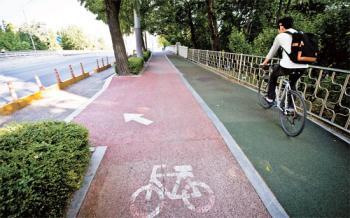 그냥 두자니 무용지물, 철거하자니 3억 … 자전거도로 딜레마