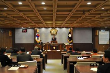 [조진형 기자의 강남 이야기] 자신이 발의한 조례 반대한 구의원