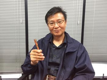 [江南通新이 담은 사람들] 천년주목으로 펜 만드는 고영철 작가
