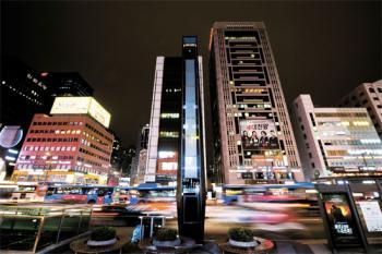 불법 시설물 전락, 80억짜리 무용지물 된 미디어폴