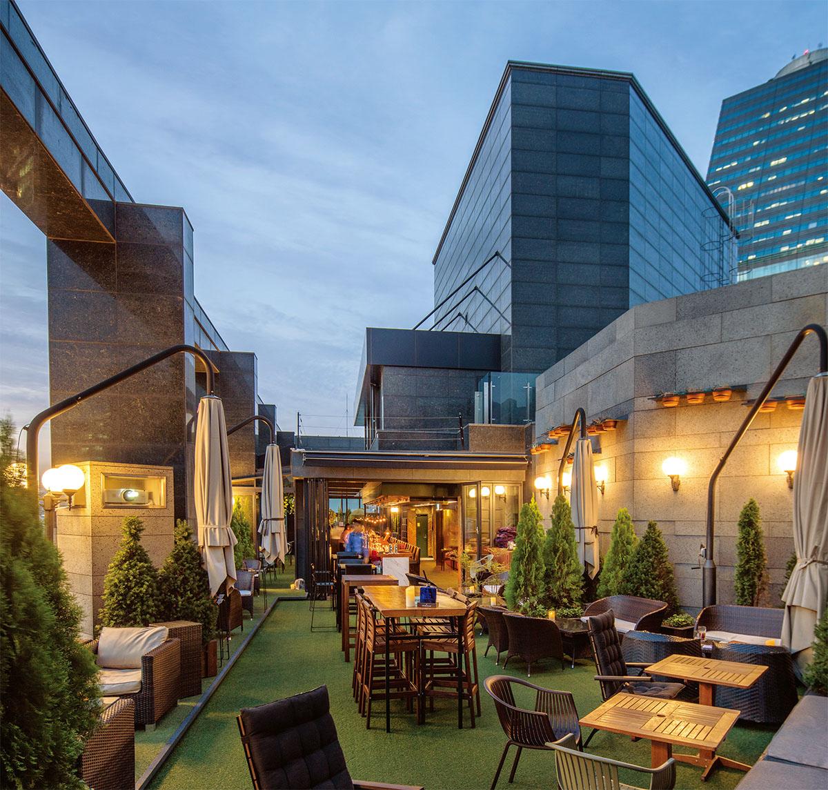'옥상 달빛' 호텔 루프탑 바 3