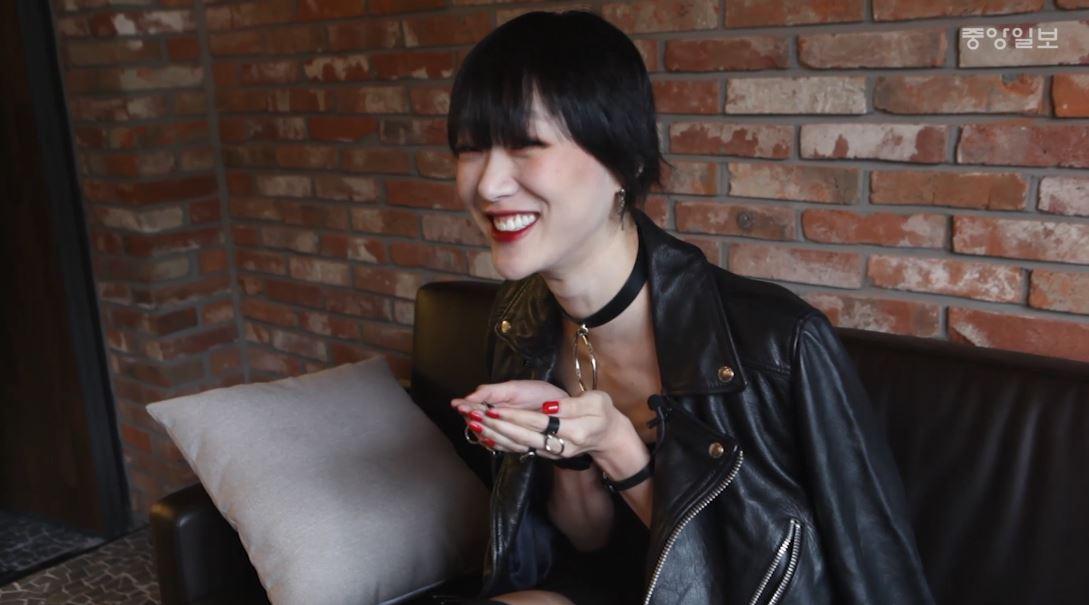 [영상] 럭셔리 패션쇼 휩쓴 모델 최소라, 그녀의 반전 매력 '깜찍'