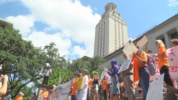 """""""총기는 되고 딜도는 안된다?"""" 美 텍사스 대학생들의 이색 캠페인"""