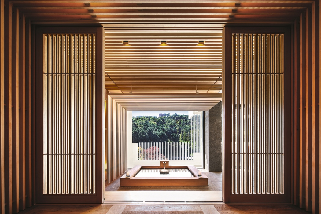 아난티 펜트하우스 서울 객실은 유형마다 뚜렷한 개성을 엿볼 수 있다. 일본의 고급 료칸을 닮은 무라타 하우스.