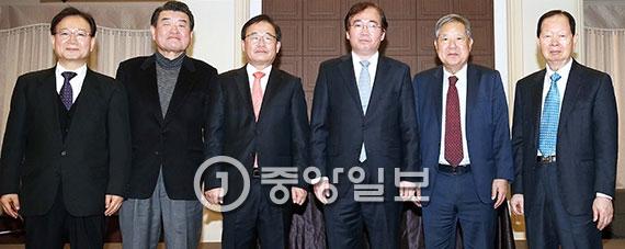 [사진] 한국신문방송편집인협회장에 이하경 중앙일보 주필