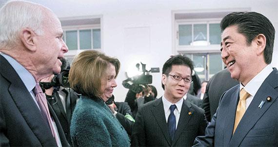 [사진] 미 의회 지도부 만난 아베