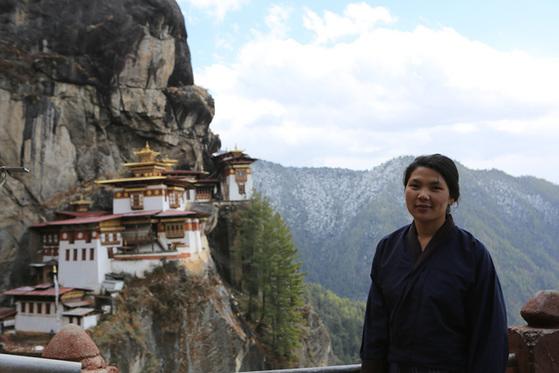 부탄의 성지 탁상 곰파에서 만난 남겔 람.