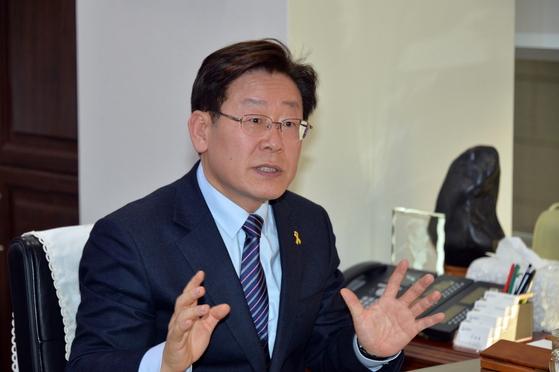 檢, '이재명 선거운동' 혐의 성남시청 압수수색