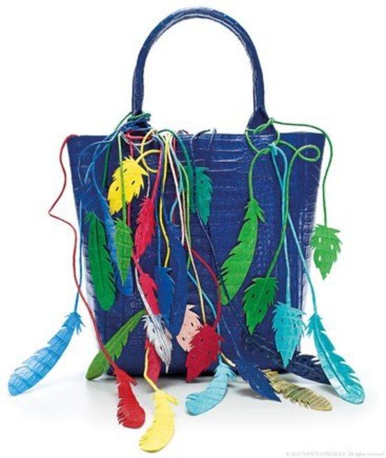 화려한 색상으로 유명한 낸시 곤잘레즈 악어가죽 가방 [사진 낸시 곤잘레즈 홈페이지]