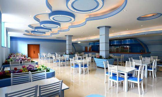 지난해 10월 현대화 공사를 마친 평양 김일성 경기장의 휴게실. [사진=조선의 오늘]