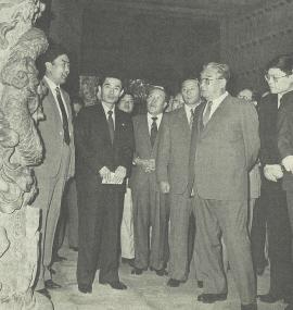 이종옥 국가 부주석(사진 가운데)이 1991년 10월 9일 김일성과 함께 중국 산동성 곡부시의 역사문화유적들을 돌아보고 있다. [사진=노동신문]