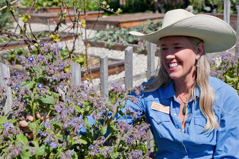 방문자를 위한 농장 견학 프로그램도 있다.