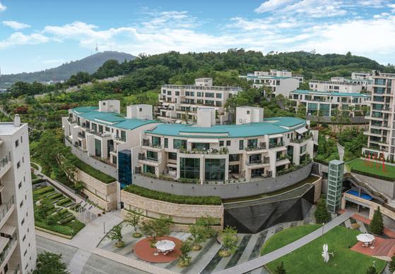 올해 에정 공시가격이 50억원이 넘는 한남더힐 펜트하우스