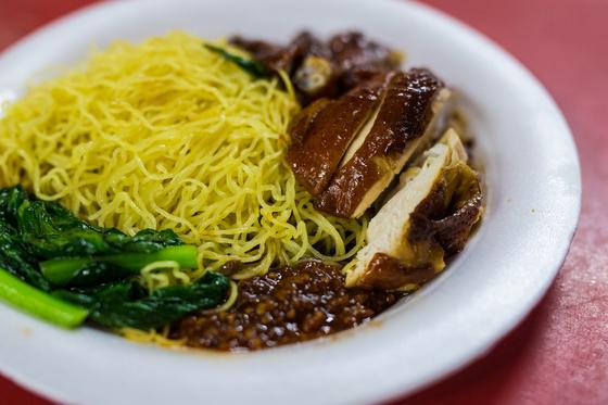 홍콩 소야 소스 치킨&누들 대표 메뉴 치킨 누들.