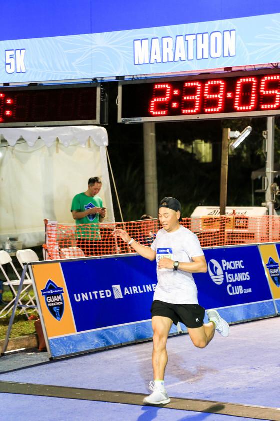 한국의 마라톤 영웅이봉주 선수도괌 마라톤에 출전했다.[사진 괌 마라톤]